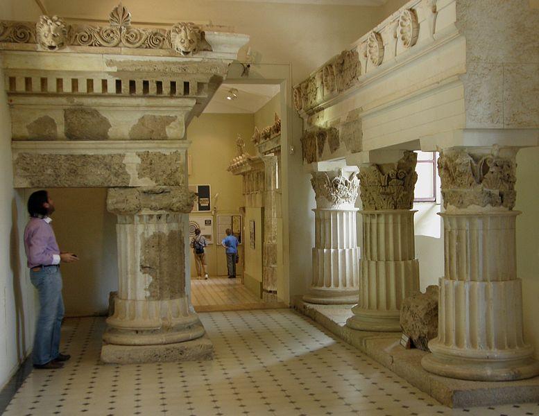 The large columns on display in the museum of Epidaurus