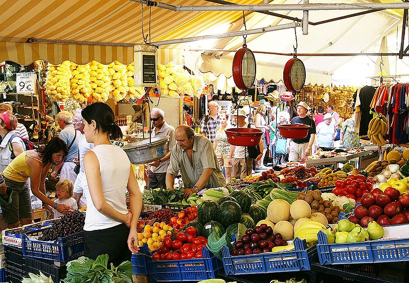 An outdoor market in Heraklion, Crete
