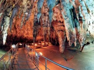 Cave Aggitis