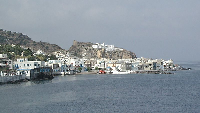 A view of Mandraki. In the background, the monastery of Panagia Spiliani and the medieval castle