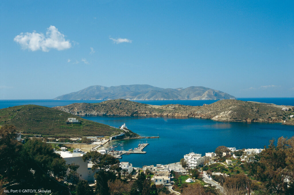 Travel to Ios, Greece - View of Ios port - Photo by Y. Skoulas