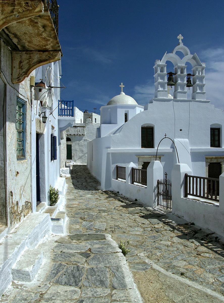 Street in Chora, Amorgos - photo by S. Lambadaridis