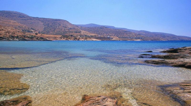 The beach of Koundouros, Tzia - Photo by S. Lambadaridis