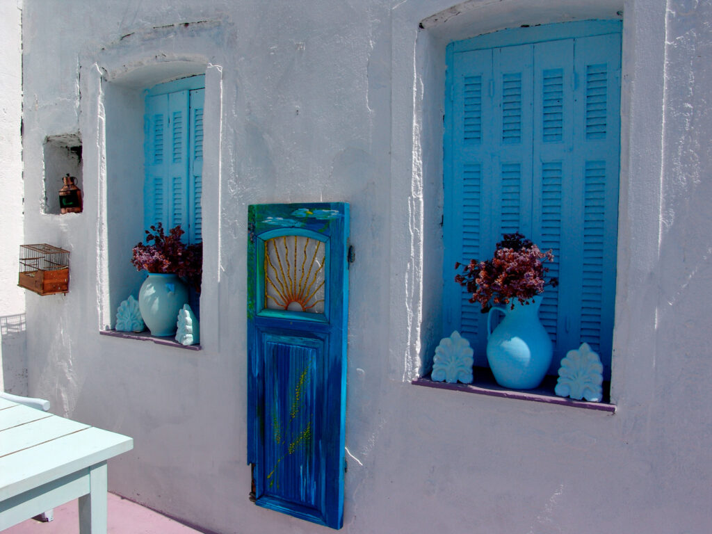 famous-island-of-kythnos-with-clear-water-beaches-and-picturesque-cycladic-character-greece
