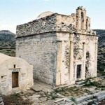 The church of Episkopi on the right and the small Byzantine of Agia Anna, Sikinos island