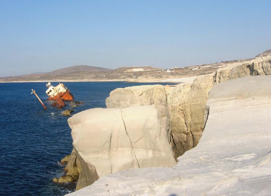 shipwreck at Milos