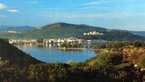 Panoramic view of Vonitsa and the fortress