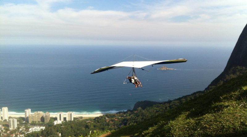 Hang gliding in Greece