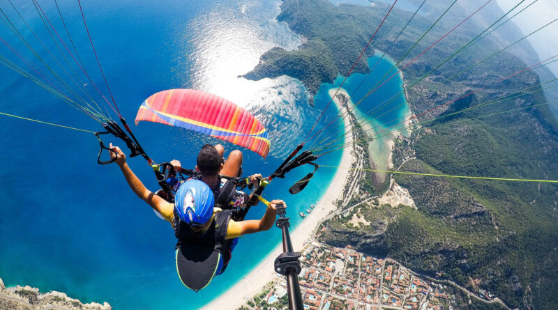 Paragliding in Greece - Photo by Charbel Aoun