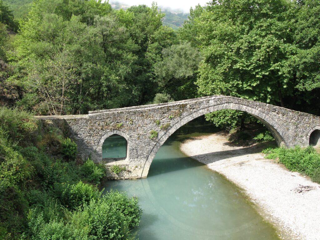 travel-to-epirus-greece-vikos-gorge-zagori-arched-bridge