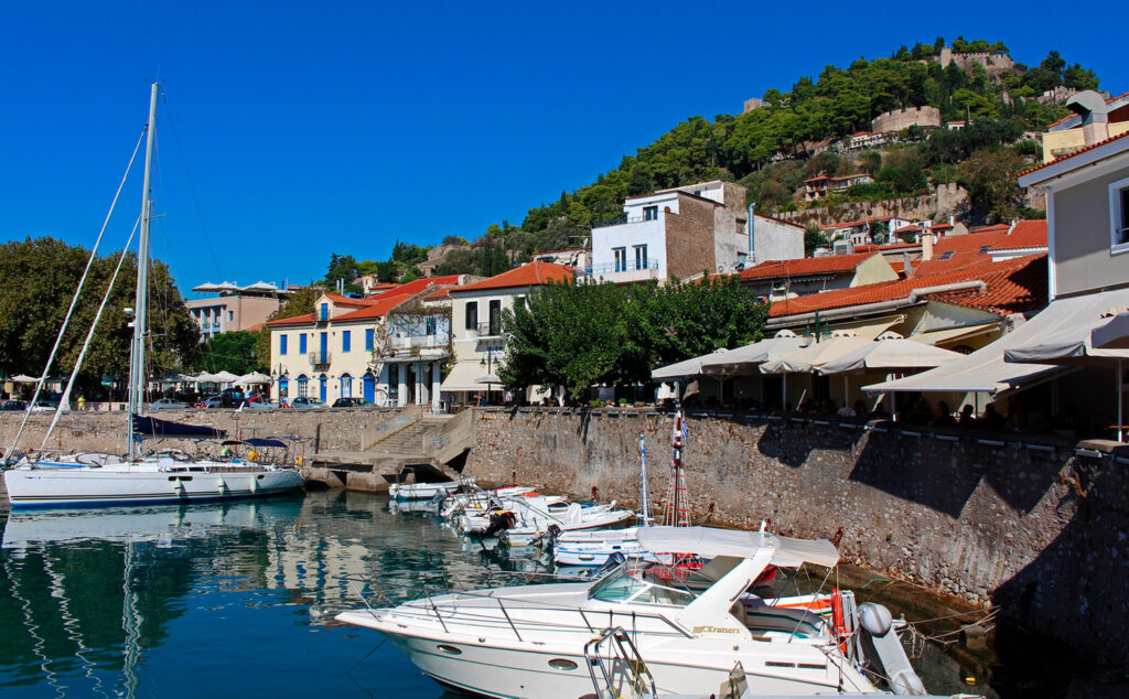 Travel to Nafpaktos, Greece - Habor with boats