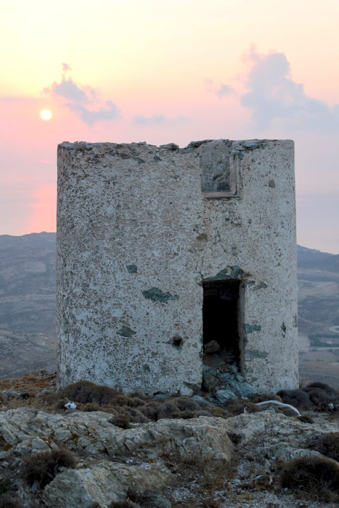 Travel to Serifos, Cyclades, Greece - old ruin - Photo by David T.