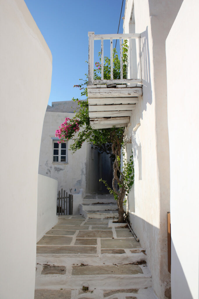 Travel to Serifos, Cyclades, Greece - alley in Chora - Photo by David T.