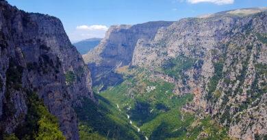 Vikos Gorge, Epirus, Greece - Photo by S. Mourelatou