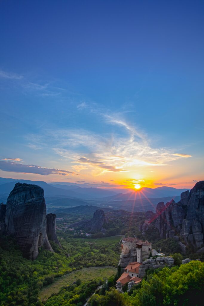 Travel to Meteora, Kalambaka Greece - Photo by Clement Souchet