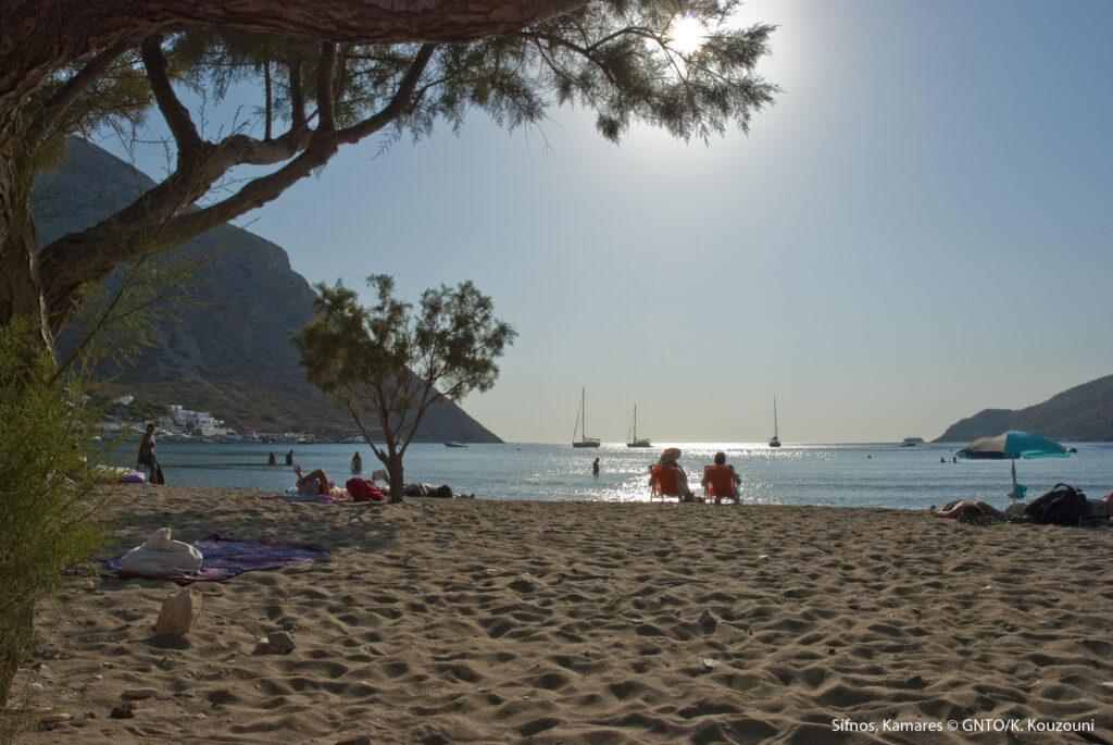 Travel to Sifnos - Kamares Beach - photo by K. Kouzouni