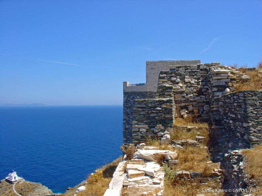 Travel to Sifnos - Kastro - photo GNTO/E. Fili