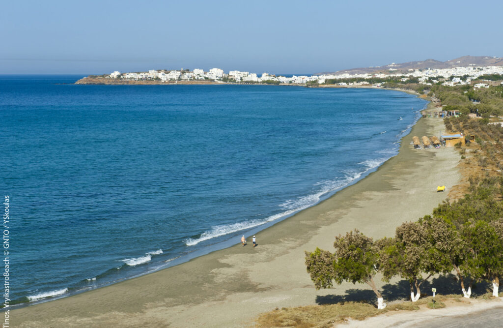 Travel to Tinos, Cyclades, Greece - Vryokastro Beach - Photo by Y. Skoulas