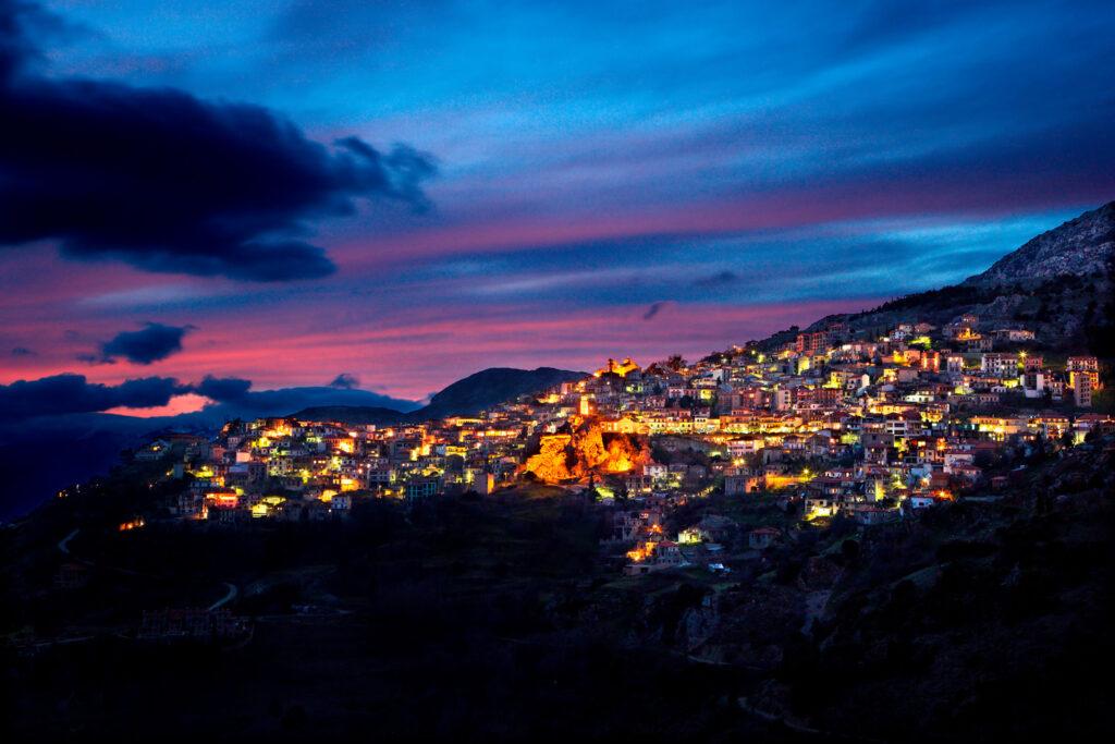 arachova-greece-night-view-of-arachova-the-most-popular-winter-resort-in-greece-mount-parnassos