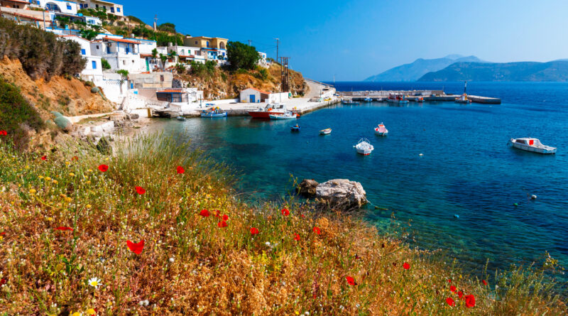 fishing-boats-in-the-harbour-of-thymaina-island-in-fourni-korseon-greece