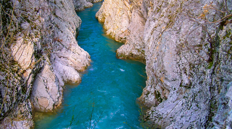 gates-of-hades-in-acheron-river-preveza-greece