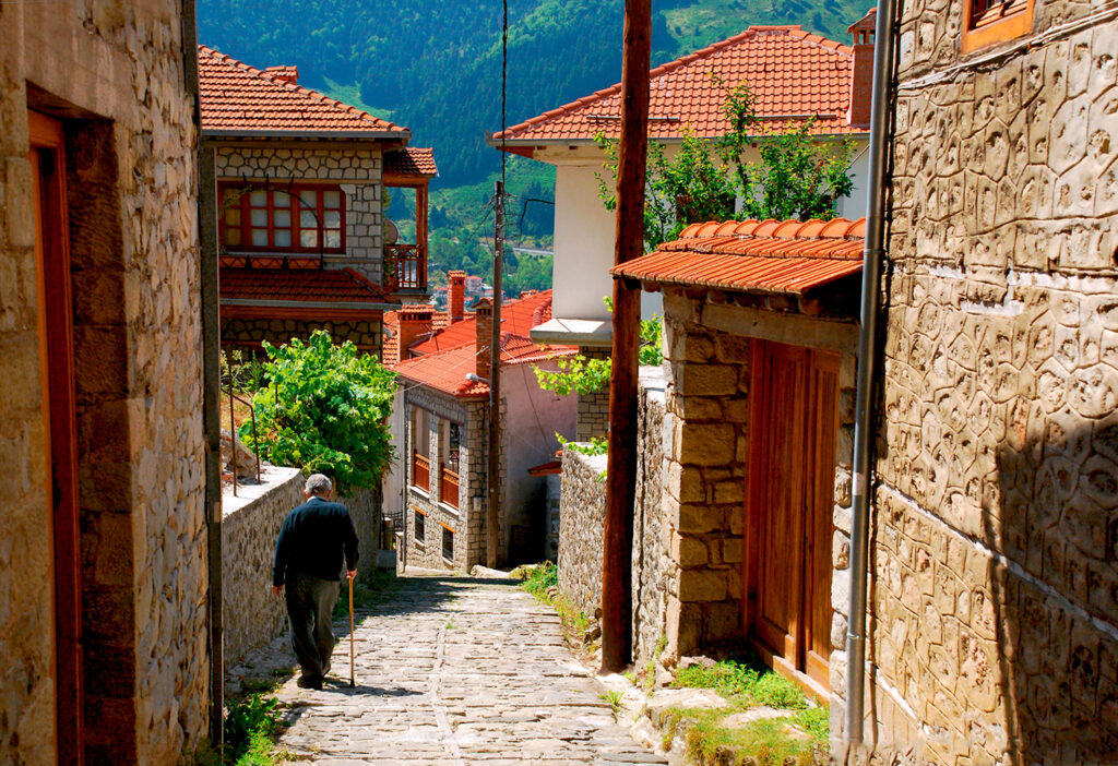 street-in-metsovo-epirus-greece