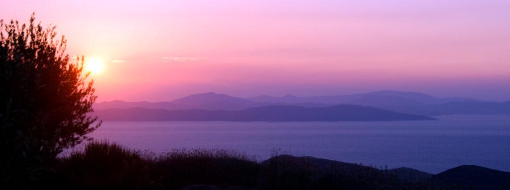 Sunset in Kea island, Cyclades Greece - Photo by Stuart Brown